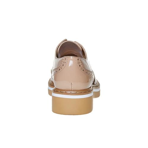 Scarpe basse verniciate con decorazione Brogue, beige, 521-8437 - 17