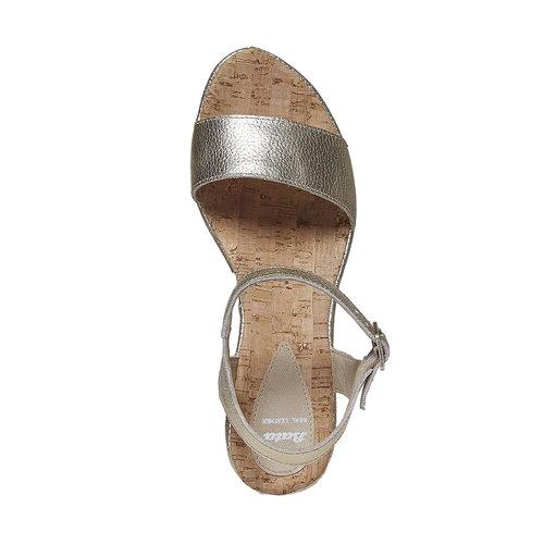 Sandali in pelle da donna con plateau bata, oro, 764-8597 - 19
