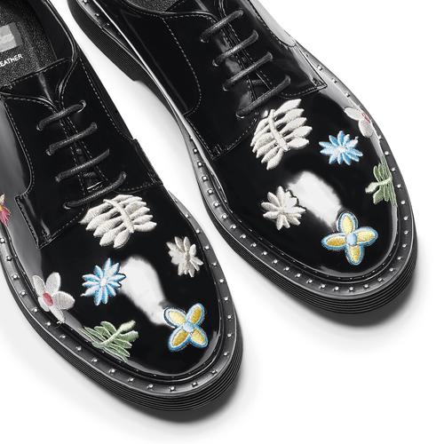Stringate con fiori ricamati bata, nero, 521-6194 - 19