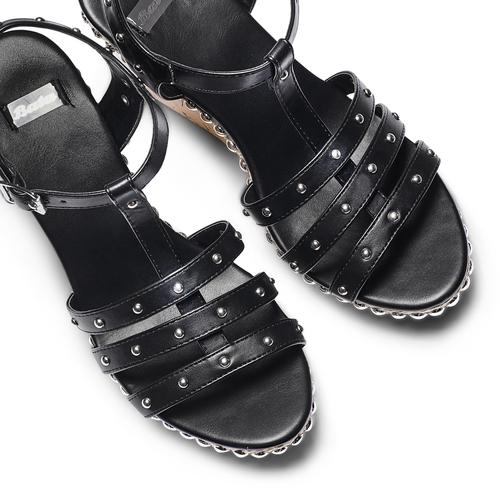 Sandali con borchie bata, nero, 761-6235 - 26